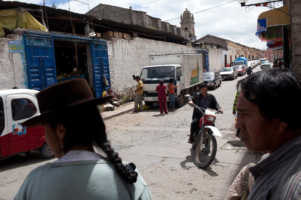 A street scene near the central market on Wednesday, Apr. 15, 2009 in Ayacucho, Peru.