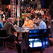 NLD/Scheveningen/20120604 - 1e uitzending VI Oranje met Wilfred Genee en Johan Derksen, camera