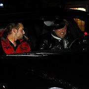 NLD/Blaricum/20100302 - Gordon Heuckeroth en nieuwe partner Raoul van der Heijden (rode jas) gaat eten bij de Red Sun in Blaricum