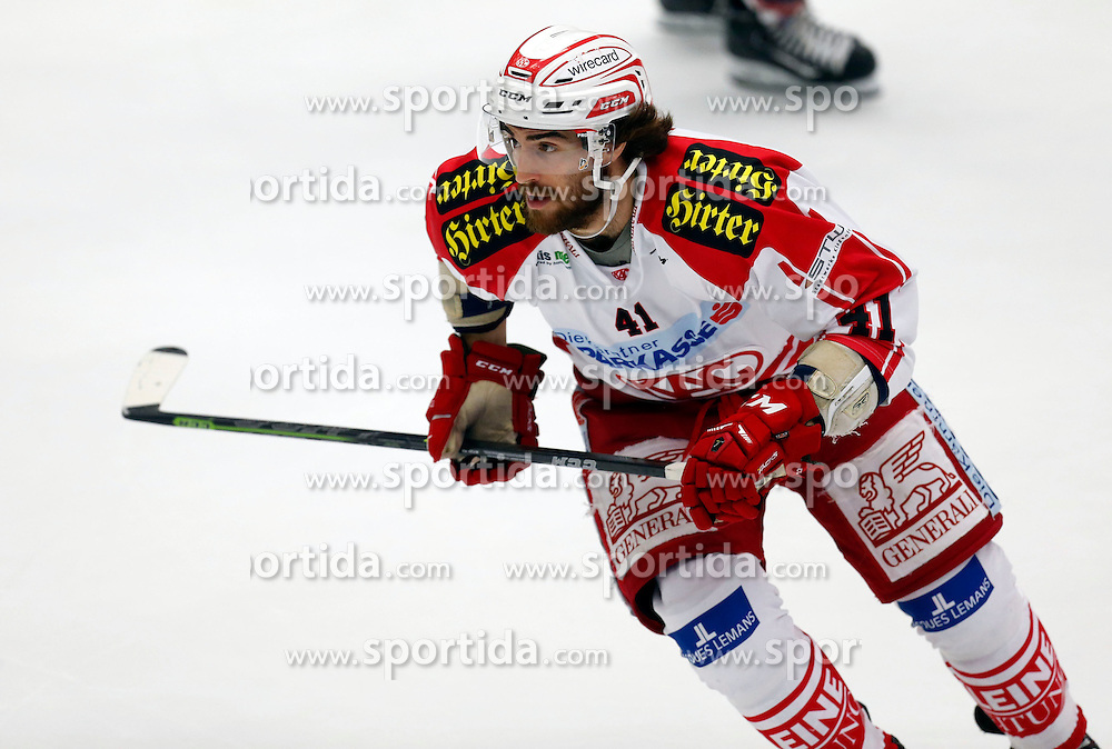 11.10.2015, Stadthalle, Villach, AUT, EBEL, EC VSV vs EC KAC, 10. Runde, im Bild Luke Walker (KAC) // during the Erste Bank Icehockey League 10th round match between EC VSV vs EC KAC at the City Hall in Villach, Austria on 2015/10/11, EXPA Pictures © 2015, PhotoCredit: EXPA/ Oskar Hoeher