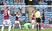 Burnley players celebrate Jeff Hendrick goal during the The FA Cup match between Burnley and Peterborough United at Turf Moor, Burnley, England on 4 January 2020.
