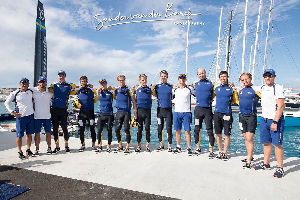 Louis Vuitton America's Cup Finals. Artemis Racing vs Emirates Team New Zealand. ETNZ wins the Louis Vuittion Challengers Trophy. 2-5. 12th of June, 2017, Bermuda