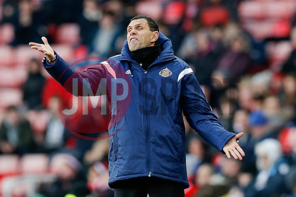 Sunderland Manager Gustavo Poyet gestures - Photo mandatory by-line: Rogan Thomson/JMP - 07966 386802 - 04/01/2015 - SPORT - FOOTBALL - Sunderland, England - Stadium of Light - Sunderland v Leeds United - FA Cup Third Round Proper.