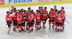 12.04.2018, Tiroler Wasserkraft Arena, Innsbruck, AUT, Eishockey Testspiel, Österreich vs Italien, während dem Eishockey Testspiel Österreich vs Italien am Donnerstag, 12. April 2018 in Innsbruck, im Bild die Mannschaft nach dem Spiel // during the International Icehockey Friendly match between Austria and Italy at the Tiroler Wasserkraft Arena in Innsbruck, Austria on 2018/04/12. EXPA Pictures © 2018, PhotoCredit: EXPA/ Jakob Gruber