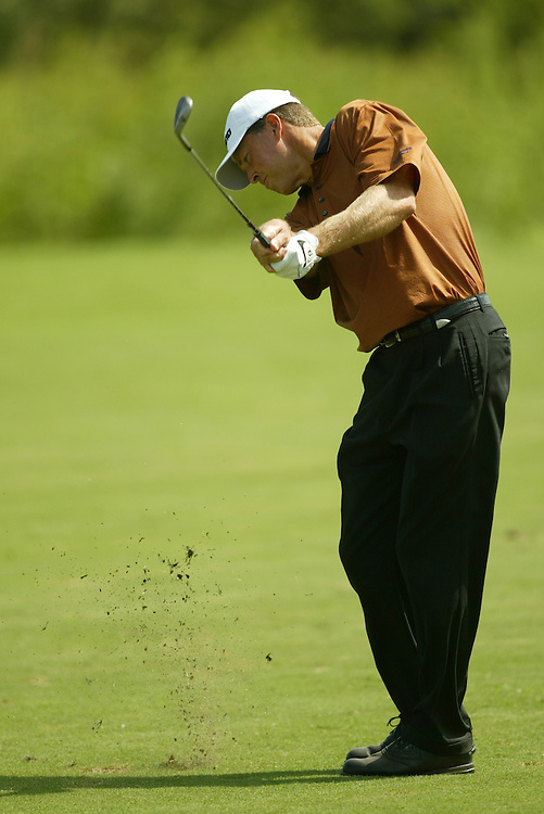 Bob Tway..2003 Valero Texas Open..Westin La Cantera Resort..San Antonio, TX..Sunday, September 28 2003..photograph by Darren Carroll