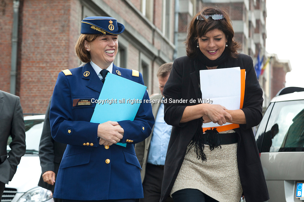 Brussels 2012 09 20 just before a press conference on the future of the federal police in Belgium. From left to right Catherine De Bolle, General Commisionar Federal Police, and Joëlle Milquet, minister of Internal Affairs.