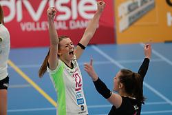 20190131 NED: Semi Final Cup Sliedrecht Sport - Eurosped, Sliedrecht <br />Rochelle Wopereis (12) of Team Eurosped Twente, Susanne Kos (1) of Team Eurosped Twente<br />©2019-FotoHoogendoorn.nl / Pim Waslander