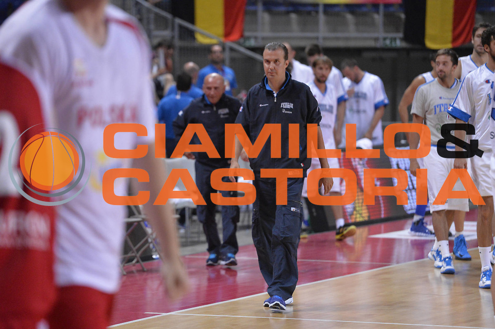 DESCRIZIONE : Anversa European Basketball Tour Antwerp 2013 Italia Polonia Italy Poland<br /> GIOCATORE : Simone Pianigiani<br /> CATEGORIA : Delusione<br /> SQUADRA : Nazionale Italia Maschile Uomini<br /> EVENTO : European Basketball Tour Antwerp 2013 <br /> GARA : Italia Polonia Italy Poland<br /> DATA : 19/08/2013<br /> SPORT : Pallacanestro<br /> AUTORE : Agenzia Ciamillo-Castoria/GiulioCiamillo<br /> Galleria : FIP Nazionali 2013<br /> Fotonotizia : Anversa European Basketball Tour Antwerp 2013 Italia Polonia Italy Poland<br /> Predefinita :