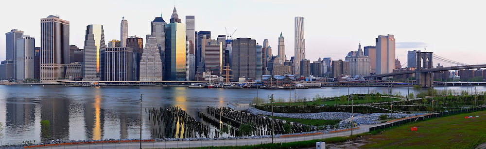 Lower Manhattan, East River and Brooklyn Bridge Park.