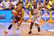 DESCRIZIONE : Supercoppa 2015 Semifinale EA7 Emporio Armani Milano - Reyer Venezia<br /> GIOCATORE : Michele Ruzzier<br /> CATEGORIA : palleggio contropiede<br /> SQUADRA : Umana Venezia<br /> EVENTO : Supercoppa 2015<br /> GARA : EA7 Emporio Armani Milano - Reyer Venezia<br /> DATA : 26/09/2015<br /> SPORT : Pallacanestro <br /> AUTORE : Agenzia Ciamillo-Castoria/Max.Ceretti