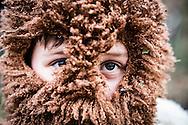 La Foresta che cammina - Carnevale di Satriano di Lucania 2016<br /> <br /> 07/02/2016 Satriano di Lucania (PZ)<br /> <br /> Nella foto: un bambino vestito da orso, altra maschera tipica del carnevale di Satriano di Lucania