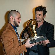 """Patrick Bruel était présent en Belgique spécialement pour """"La Remise du Gant d'Or"""" récompensant le meilleur boxeur belge de l'année. Cette année le prix fut décerné à Alex Miskirtchian. La soirée fut présentée par Michel de Maegd."""
