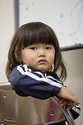Mashiro Segawa. Tillsammans med sina tv&aring; br&ouml;der och mamma har han evakuerat fr&aring;n Fukushima prefekturen. Pappa kunde inte l&auml;mna Fukushima p&aring; grund av sitt arbete som l&auml;rare.<br /> <br /> Hinan Mama Net, &auml;r en st&ouml;dgrupp f&ouml;r mammor som har evakuerat fr&aring;n Fukushima prefekturen till Tokyo. Gruppen startades av Rika Mashiko.