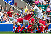 Twickenham, Surrey, World Cup, Sunday, Sunday, 11/08/2019  2019 World Cup, Warm up match, Quilter International, England vs Wales, at the RFU Stadium  [© Peter SPURRIER/Intersport Image]<br /> <br /> 14:02:04,  Joe Launchbury of England  attempts to charge down, Gareth Anscombe of Wales, clearence kick,