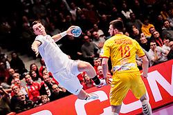 12.01.2020, Wiener Stadthalle, Wien, AUT, EHF Euro 2020, Tschechien vs Nordmazedonien, Gruppe B, im Bild v. l. Stanislav Kasparek (CZE), Filip Kuzmanovski (MKD) // f. l. Stanislav Kasparek (CZE) Filip Kuzmanovski (MKD) during the EHF 2020 European Handball Championship, group B match between Czech Republic and Northmazedonia at the Wiener Stadthalle in Wien, Austria on 2020/01/12. EXPA Pictures © 2020, PhotoCredit: EXPA/ Florian Schroetter