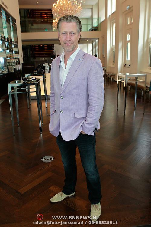 NLD/Amsterdam/20110913 - Lunch genomineerden voor John Kraaijkamp musicalawards 2011, Hajo Bruins
