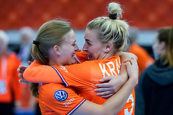13-12-2019 JAP: Semi Final Netherlands - Russia, Kumamoto<br /> The Netherlands beat Russia in the semifinals 33-22 and qualify for the final on Sunday in Park Dome at 24th IHF Women's Handball World Championship / Debbie Bont #7 of Netherlands, Jessy Kramer #5 of Netherlands