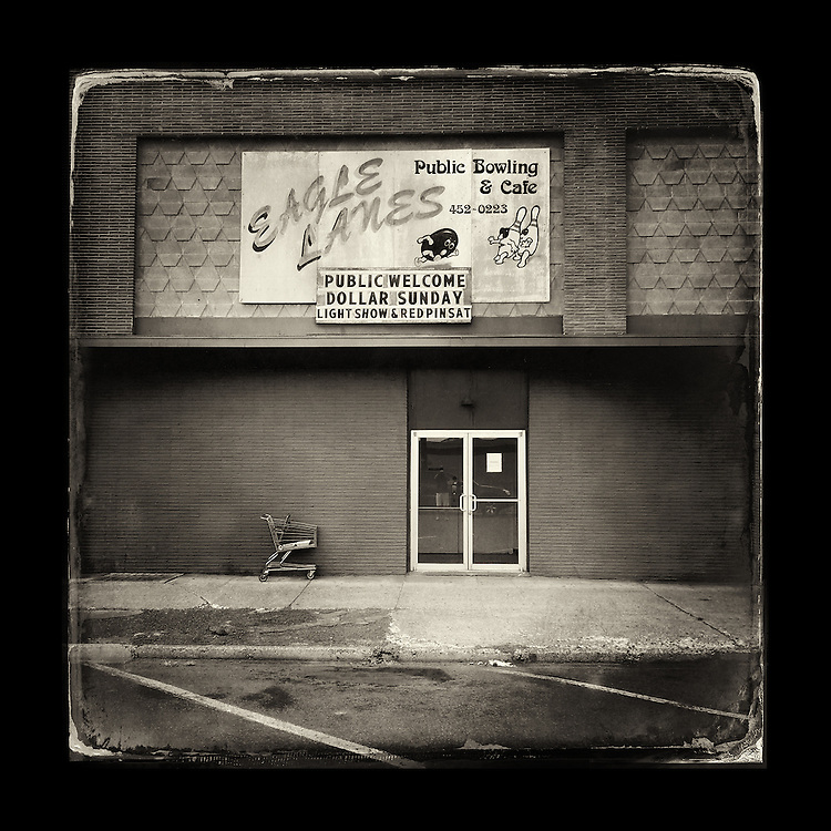 "Charles Blackburn image of Eagle Lanes in Yakima, WA. 5x5"" print."