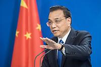 09 JUL 2018, BERLIN/GERMANY:<br /> Li Keqiang, Ministerpraesident der VR China, waehrend einer Pressekonferenz zu den Ergebnissen der Deutsch-Chinesische Regierungskonsultationen, Bundeskanzleramt<br /> IMAGE: 20180709-02-077