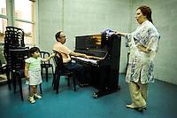 סרינה פרנקויה ( מיכאלה ) <br /> מאחורי הקלעים של האופרה כרמן