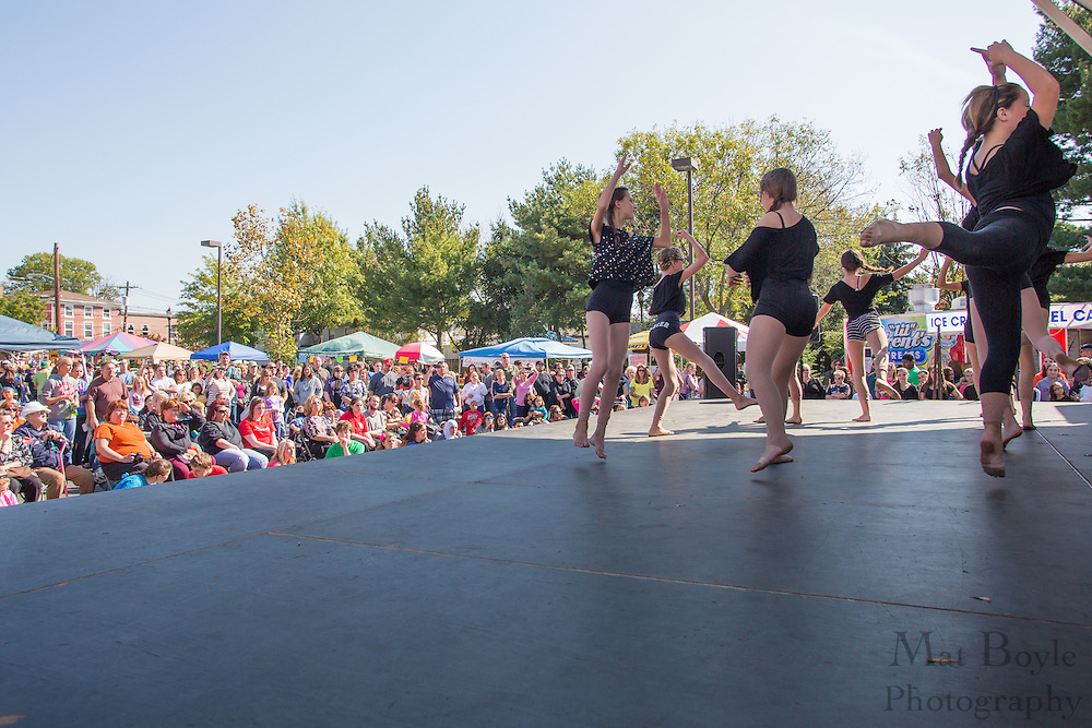 A crowd watches the Contemporary Class of the MainStage Center for the Arts Dance Studio perform on stage during the Blackwood Pumpkin Festival on Sunday October 14, 2012. (photo / Mat Boyle)