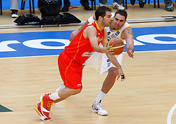 15.08.2010, Logroo, ESP, Friendly Basketball LS, Spain vs Argentia, im Bild Spain's Jose Manuel Calderon (l) and Argentina's Juan Pedro Gutierrez during Friendly match. EXPA Pictures © 2010, PhotoCredit: EXPA/ Alterphotos/ Acero +++++ ATTENTION - OUT OF SPAIN +++++