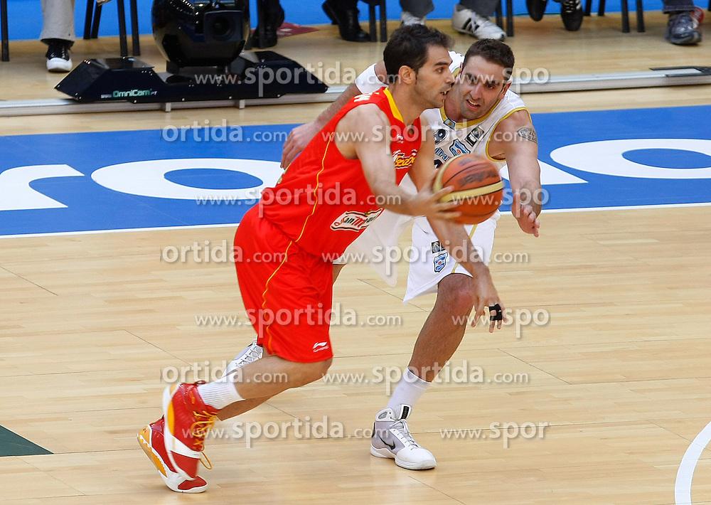 15.08.2010, Logroo, ESP, Friendly Basketball LS, Spain vs Argentia, im Bild Spain's Jose Manuel Calderon (l) and Argentina's Juan Pedro Gutierrez during Friendly match. EXPA Pictures © 2010, PhotoCredit: EXPA/ Alterphotos/ Acero +++++ ATTENTION - OUT OF SPAIN +++++