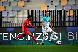 Joe Willock of England and Matija Rom of Slovenia during friendly Football match between U21 national teams of Slovenia and England, on October 11, 2019 in Ljudski Vrt, Maribor, Slovenia. Photo by Blaž Weindorfer / Sportida