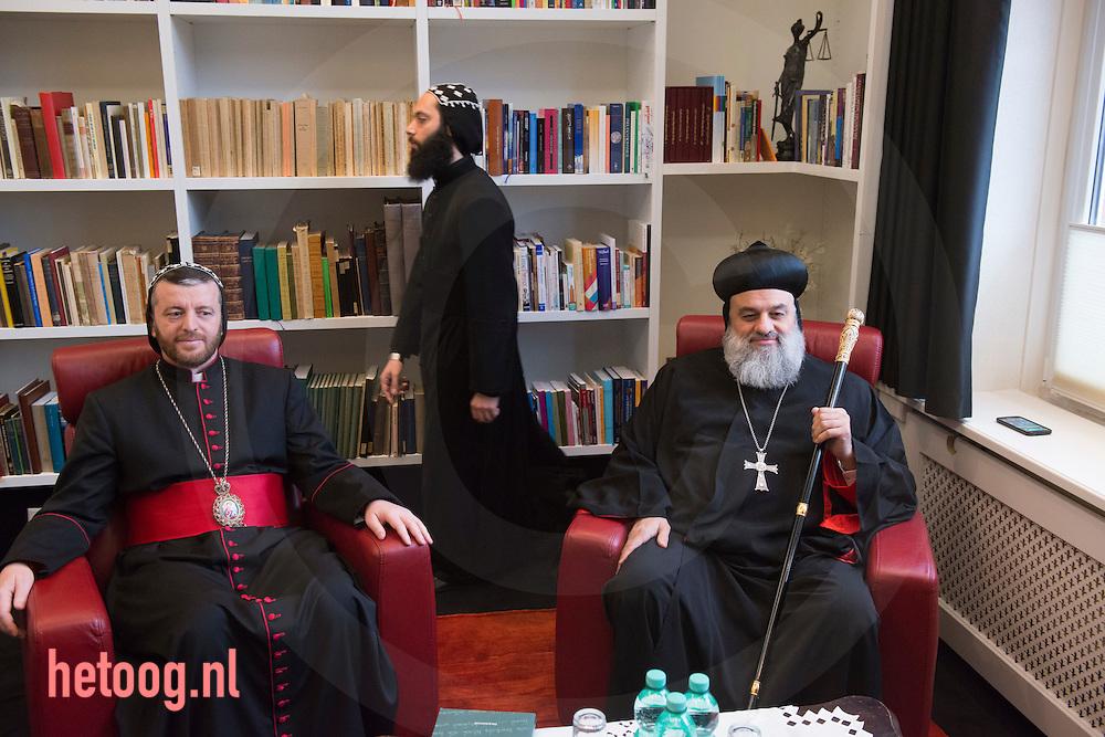 Nederland, Glane 24feb2015 De Patriarch Moran Mor Ignatius Ephrem II, de hoogste geestelijke leider van Syrisch-orthodoxe kerk (r) is op bezoek in Nederland. (midden zijn secretaris en links Mor Polycarpus Augin Aydin<br /> patriarchale vicarius van het<br /> Syrisch-Orthodoxe kerk<br /> in Nederland) De patriarch verblijft  tot 3 maart 2015 in het klooster in Glane (nabij Enschede) en zal van daaruit elf Nederlandse parochies bezoeken.