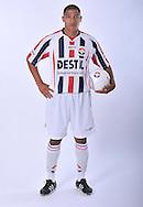 05-07-2009: Voetbal:Studioportretten Willem II<br /> Marlon Pereira<br /> Foto: Geert van Erven