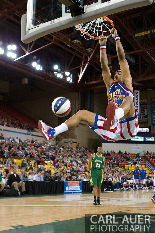 April 30th, 2010 - Anchorage, Alaska:  Globetrotter Prince Perez delights the crowd at the Sullivan Arena with a monster two handed dunk.