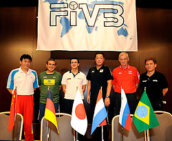 18-08-2009 VOLLEYBAL: WGP FINALS PERSCONFERENTIE: TOKYO<br /> Persconferentie in het Keio Plaza Hotel - Coaches Bin Cai (CHN), Jose Roberto Guimaraes (BRA), Giovanni Guidetti (ITA), Masayoshi Manabe (JAP), Vladimir Kuzyuykin (RUS) and Avital Selinger (NED) are ready for the WGP finals<br /> ©2009-WWW.FOTOHOOGENDOORN.NL