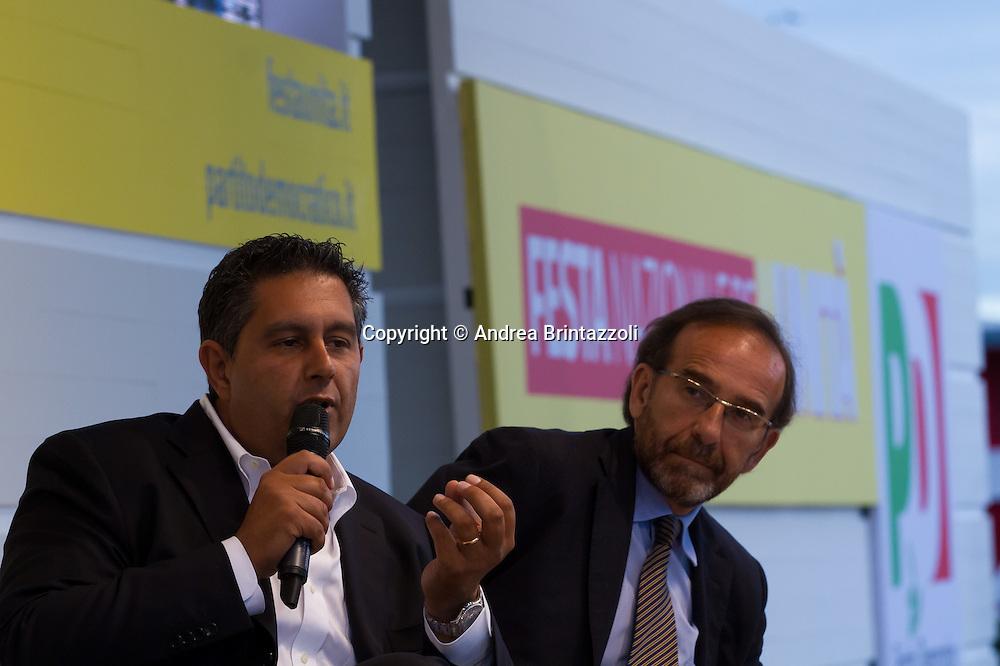 Bologna 01 Settembre 2014 - Festa dell'Unità - Dibattito: Nel cuore della democrazia: le riforme elettorali. Nella foto Giovanni Toti, Riccardo Nencini