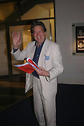 Patrick Mower. Centenal Rada in aid of the Rada  Student Hardship fund.  RADA Theatre. 17 April 2005. ONE TIME USE ONLY - DO NOT ARCHIVE  © Copyright Photograph by Dafydd Jones 66 Stockwell Park Rd. London SW9 0DA Tel 020 7733 0108 www.dafjones.com