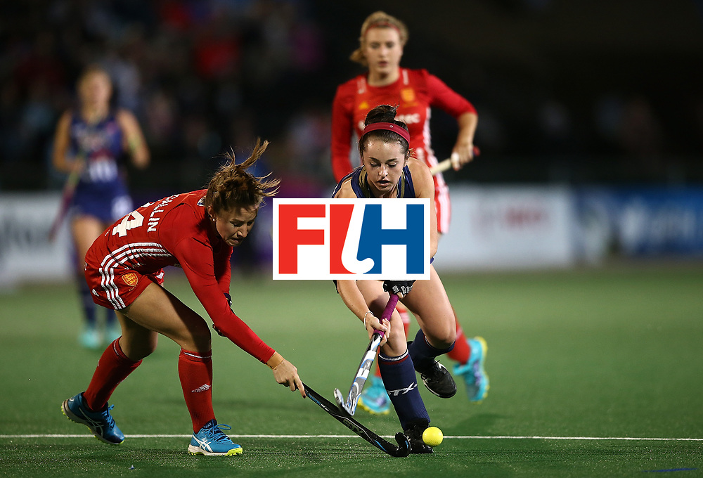 JOHANNESBURG, SOUTH AFRICA - JULY 20:  Erin Matson of United States of America battles with Shona McCallin of England during day 7 of the FIH Hockey World League Women's Semi Finals semi final match between England and United Staes of America at Wits University on July 20, 2017 in Johannesburg, South Africa.  (Photo by Jan Kruger/Getty Images for FIH)