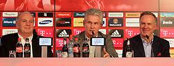 04.06.2013, Alianz Arena, Muenchen, GER, 1. FBL, FC Bayern Muenchen, Pressekonferenz, im Bild, Jupp Heynckes verabschiedet sich bei FC Bayern, mit Uli Hoeness und K.H Rummenigge ,  // during a presss conference of FC Bayern Munich at the Alianz Arena, Munich, Germany on 2013/06/04. EXPA Pictures © 2013, PhotoCredit: EXPA/ Eibner/ Ruiz<br /> <br /> ***** ATTENTION - OUT OF GER *****
