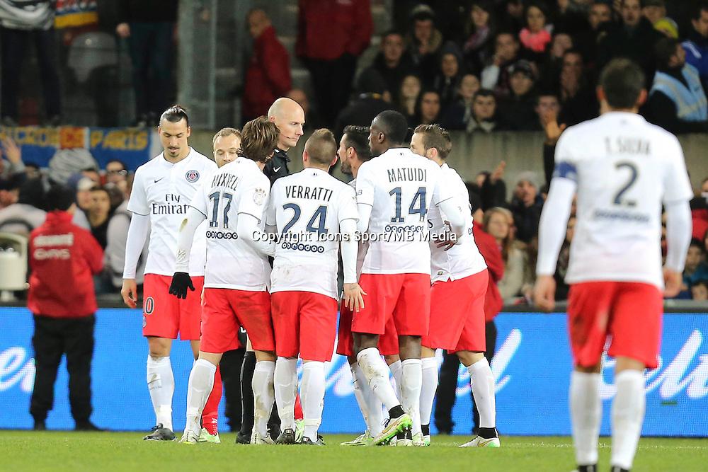 Blaise MATUIDI / Antony GAUTIER - 14.12.2014 - Guingamp / Paris Saint Germain - 18eme journee de Ligue 1<br />Photo : Vincent Michel / Icon Sport