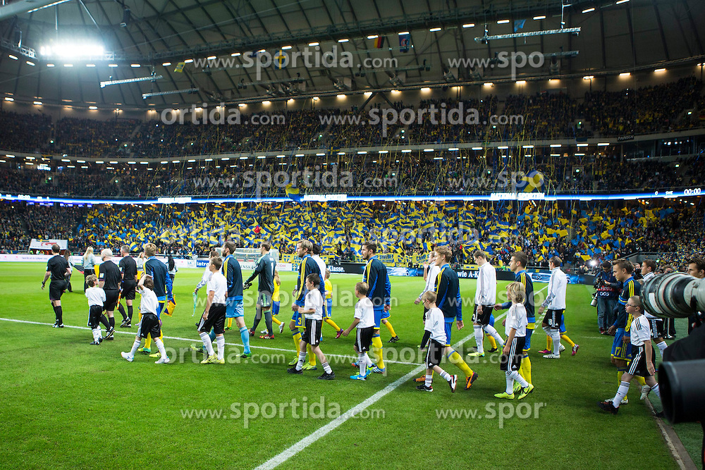 15.10.2013, Friends Arena, Stockholm, SWE, FIFA WM Qualifikation, Schweden vs Deutschland, Gruppe C, im Bild, Sweden and Germany entering the pitch,  // during the FIFA World Cup Qualifier Group C Match between Sweden and Germany at the Friends Arena, Stockholm, Sweden on 2013/10/15. EXPA Pictures &copy; 2013, PhotoCredit: EXPA/ PicAgency Skycam/ Michael Campanella<br /> <br /> ***** ATTENTION - OUT OF SWE *****