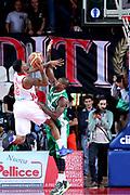 DESCRIZIONE : Varese Lega A 2013-14 Cimberio Varese Sidigas Avellino<br /> GIOCATORE : Coleman Aubrey<br /> CATEGORIA : Tiro<br /> SQUADRA : Cimberio Varese<br /> EVENTO : Campionato Lega A 2013-2014<br /> GARA : Cimberio Varese Sidigas Avellino<br /> DATA : 03/11/2013<br /> SPORT : Pallacanestro <br /> AUTORE : Agenzia Ciamillo-Castoria/I.Mancini<br /> Galleria : Lega Basket A 2013-2014  <br /> Fotonotizia : Varese Lega A 2013-14 Cimberio Varese Sidigas Avellino<br /> Predefinita :