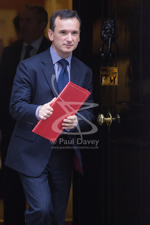 Downing Street, London, October 18th 2016. Welsh Secretary Alun Cairns leaves 10 Downing Street in London following the weekly cabinet meeting.
