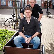 NLD/Amsterdam/20180501 - Boekpresentatie van HET BEEST  - Het wielerleven van Lieuwe Westra, Lieuwe en schrijver Thomas Sijtsma