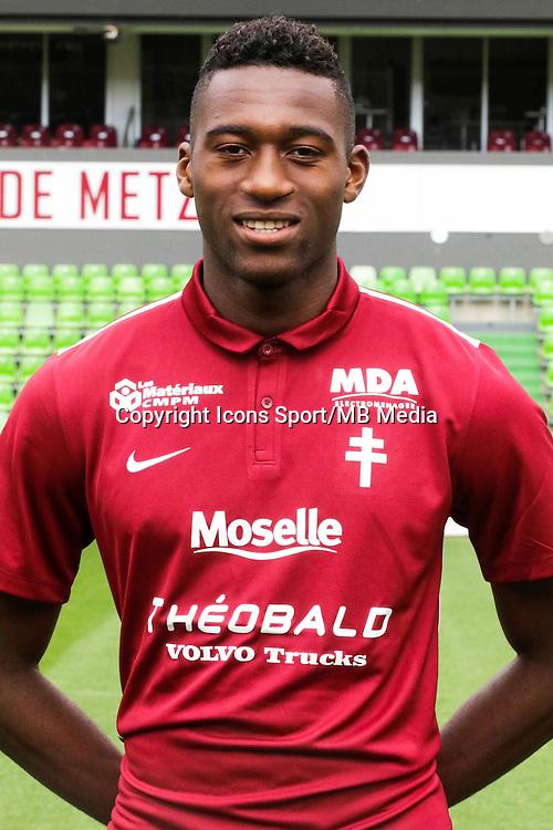 Oumar GONZALEZ - 14.09.2015 - Photo Officielle Metz<br /> Photo : Fred Marvaux / Icon Sport