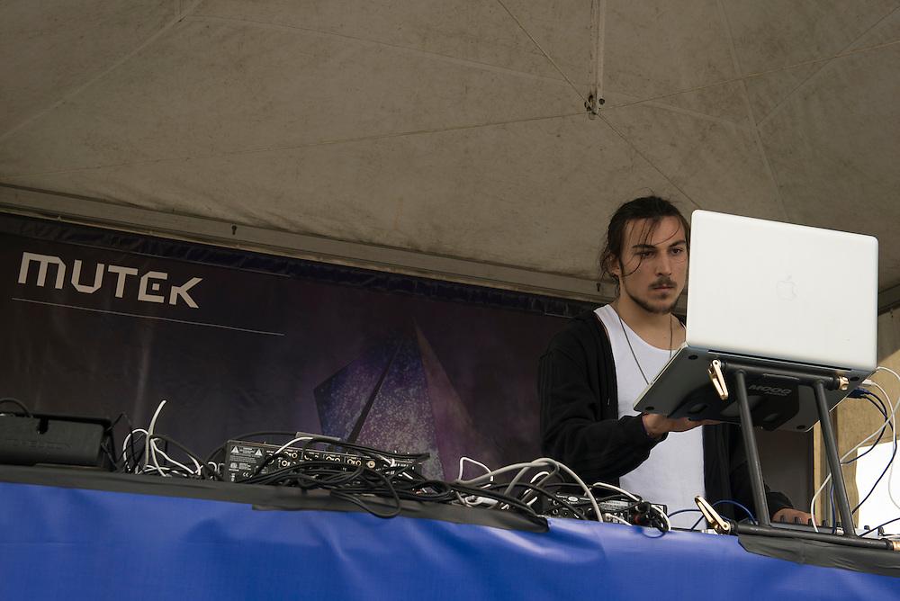 Valentin Stip (CA), MUTEK // Piknic Parc Jean-Drapeau 3 juin 2012.