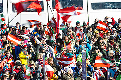 28.12.2013, Hochstein, Lienz, AUT, FIS Weltcup Ski Alpin, Lienz, Riesentorlauf, Damen, 2. Durchgang, im Bild Zuschauer im Zielstadion // Visitors at Finish Range after the 2nd run of ladies giant slalom Lienz FIS Ski Alpine World Cup at Hochstein in Lienz, Austria on 2013/12/28, EXPA Pictures © 2013 PhotoCredit: EXPA/ Michael Gruber