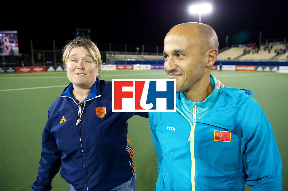 AUCKLAND - Sentinel Hockey World League final women<br /> Match id: 10305<br /> 16 NED v CHina (QF)<br /> Foto: Alyson ANNAN and Jamilon M&Uuml;LDERS after the match.<br /> WORLDSPORTPICS COPYRIGHT FRANK UIJLENBROEK