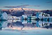 Jökulsárlón / Glacier Lagoon and Öræfajökull in Vatnajökull Ice Cap