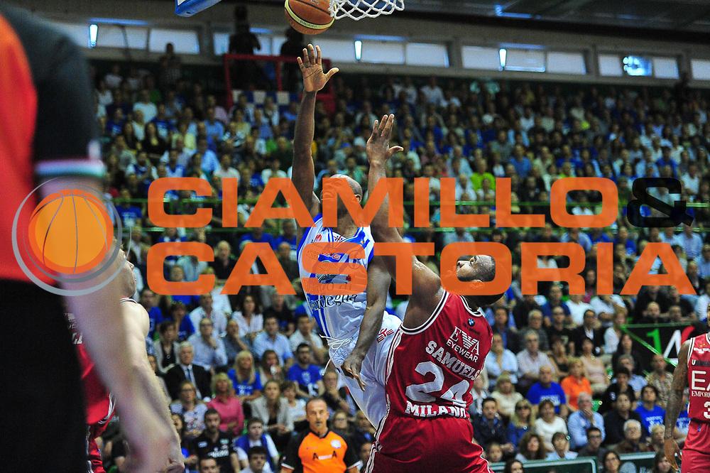DESCRIZIONE : Campionato 2013/14 Semifinale GARA 4 Dinamo Banco di Sardegna Sassari - Olimpia EA7 Emporio Armani Milano<br /> GIOCATORE : Caleb Green<br /> CATEGORIA : Tiro Penetrazione Sottomano<br /> SQUADRA : Dinamo Banco di Sardegna Sassari<br /> EVENTO : LegaBasket Serie A Beko Playoff 2013/2014<br /> GARA : Dinamo Banco di Sardegna Sassari - Olimpia EA7 Emporio Armani Milano<br /> DATA : 05/06/2014<br /> SPORT : Pallacanestro <br /> AUTORE : Agenzia Ciamillo-Castoria / M.Turrini<br /> Galleria : LegaBasket Serie A Beko Playoff 2013/2014<br /> Fotonotizia : DESCRIZIONE : Campionato 2013/14 Semifinale GARA 4 Dinamo Banco di Sardegna Sassari - Olimpia EA7 Emporio Armani Milano<br /> Predefinita :