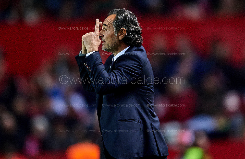 SEVILLE, SPAIN - NOVEMBER 26:  Cesare Prandelli of Valencia CF reacts during the La Liga match between Sevilla FC and Valencia CF at Estadio Ramon Sanchez Pizjuan on November 26, 2016 in Seville, Spain.  (Photo by Aitor Alcalde Colomer/Getty Images)