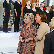 NLD/Amsterdam/20120922 - Koningin Beatrix opent het Vernieuwde Stedelijk Museum , Prinses Laurentien