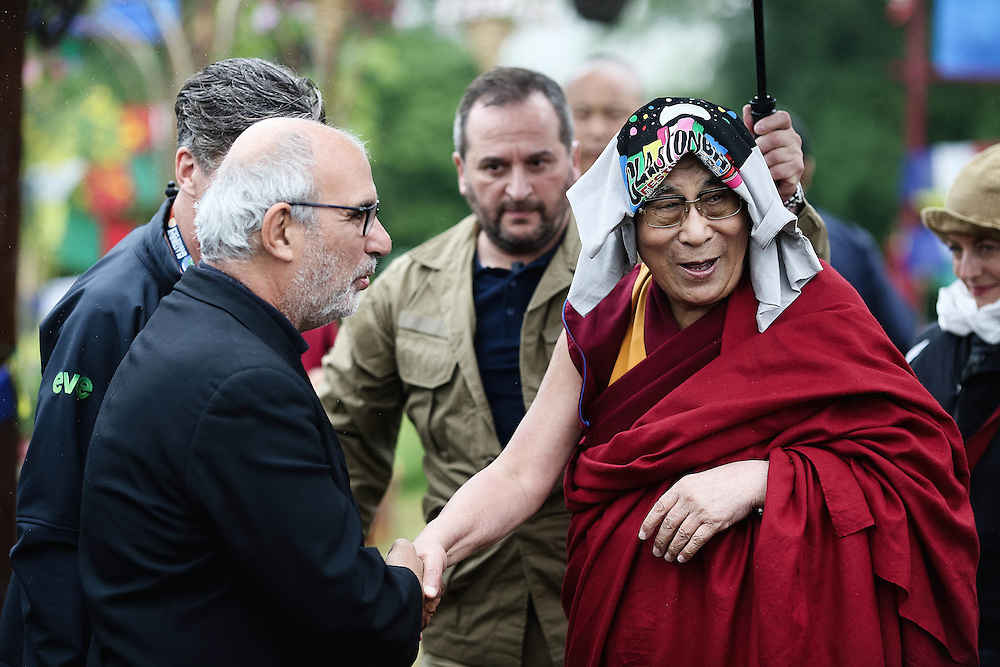 Day 5 Glastonbury Festival:<br /> THE DALAI LAMA VISITS Glastonbury festival on June 27. 2015.<br /> <br /> Photos Ki Price